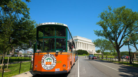 washington dc trolley in front of the lincoln memorial