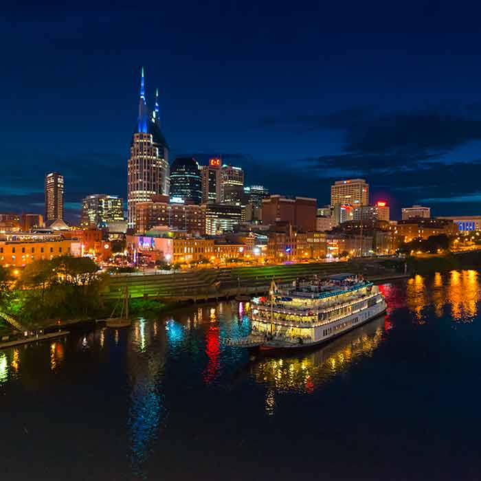 Night cruise around Nashville at night